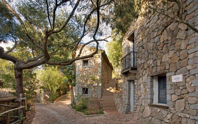 Отель Arbatax Park Resort Borgo Cala Moresca вид на фасад
