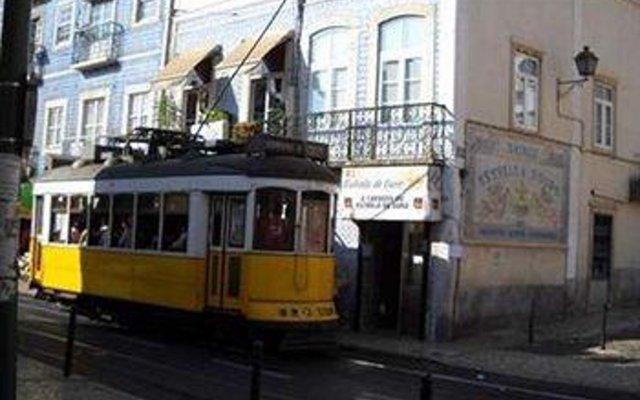 Отель Private Rooms/Duplex Apt.@Lisbon Center вид на фасад