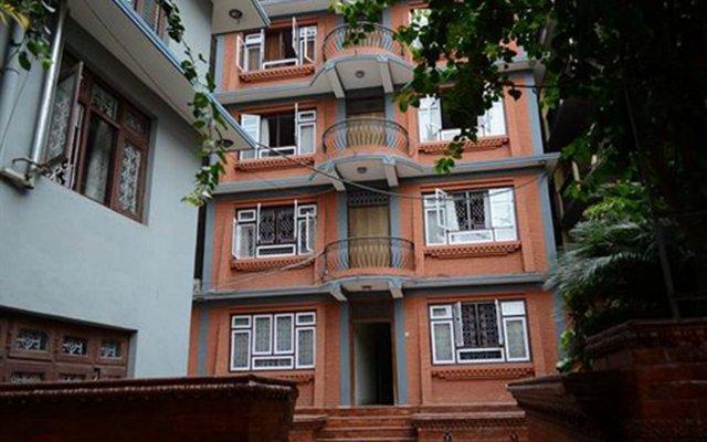 Отель Ganesh Himal Непал, Катманду - отзывы, цены и фото номеров - забронировать отель Ganesh Himal онлайн вид на фасад