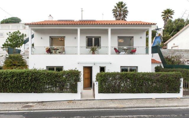 Отель Beachouse - Surf, Bed & Breakfast вид на фасад