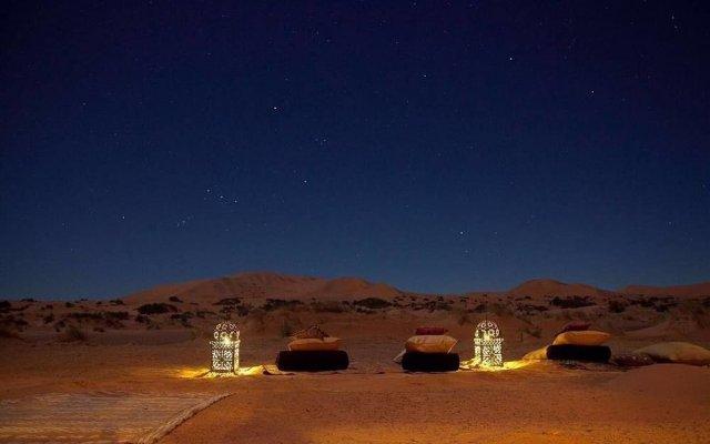 Отель Kam Kam Dunes Марокко, Мерзуга - отзывы, цены и фото номеров - забронировать отель Kam Kam Dunes онлайн вид на фасад