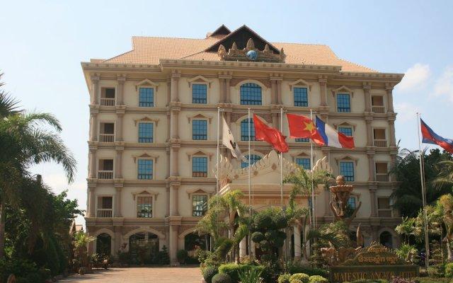 Majestic Oriental Hotel вид на фасад