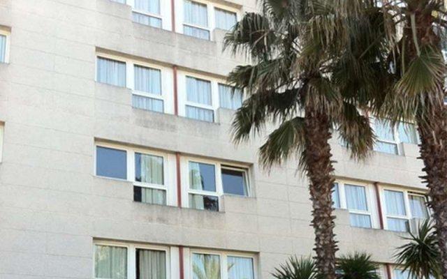 Hotel Sercotel Air Penedès вид на фасад