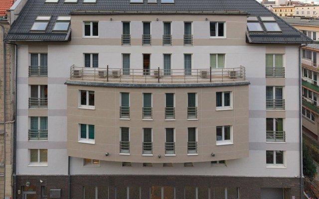 Отель Absynt Apart Wierzbowa вид на фасад