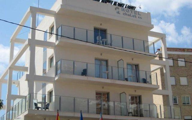 Отель El Chalet вид на фасад