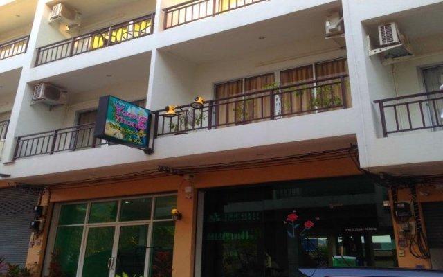 Отель Ezy House Patong