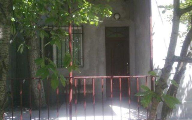 Отель Holiday home Pyataya ulitsa Армения, Ереван - отзывы, цены и фото номеров - забронировать отель Holiday home Pyataya ulitsa онлайн вид на фасад