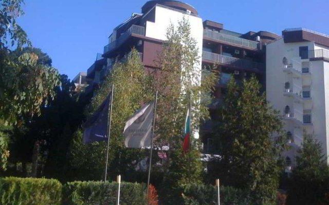 Отель Sapfir Болгария, Солнечный берег - отзывы, цены и фото номеров - забронировать отель Sapfir онлайн вид на фасад