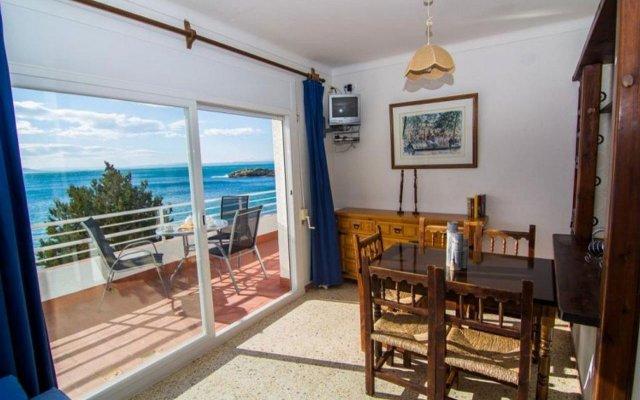 Отель Almadraba Platja 3000 Apts Курорт Росес комната для гостей
