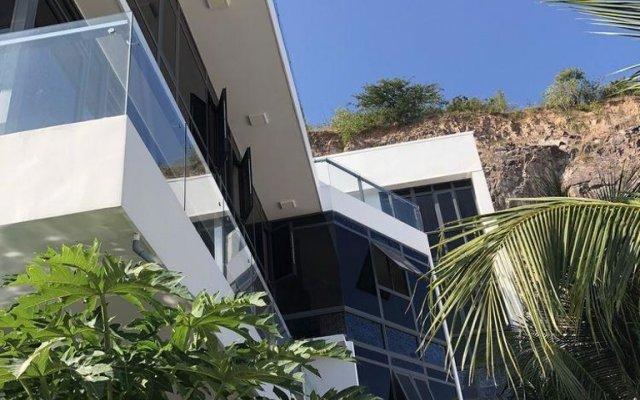 Отель Ngoc Long Villa Nha Trang Ocean View Вьетнам, Нячанг - отзывы, цены и фото номеров - забронировать отель Ngoc Long Villa Nha Trang Ocean View онлайн вид на фасад