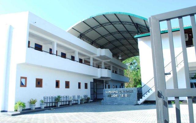 Отель Sunsung Chiththa Holiday Resort вид на фасад