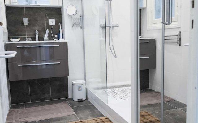 Отель Les Orangers ванная
