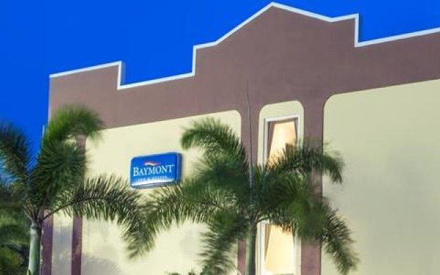 Отель Baymont Inn & Suites Orlando - Universal Studios вид на фасад