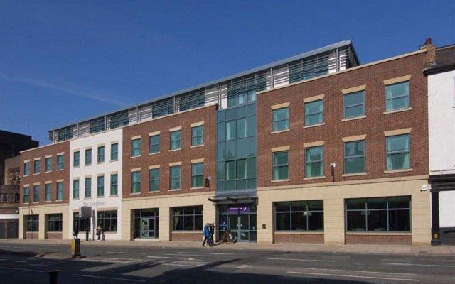 Отель Premier Inn York - Blossom St South вид на фасад
