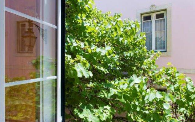 Отель Lost Lisbon - Chiado Португалия, Лиссабон - отзывы, цены и фото номеров - забронировать отель Lost Lisbon - Chiado онлайн вид на фасад