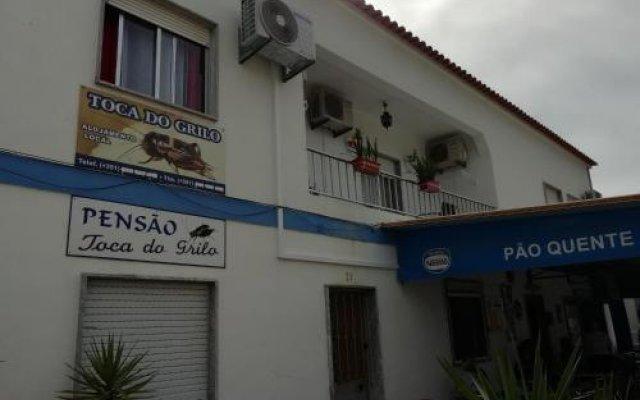 Отель A Toca Do Grilo вид на фасад