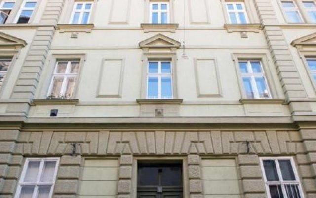 Отель Arpa Flat Embassy вид на фасад