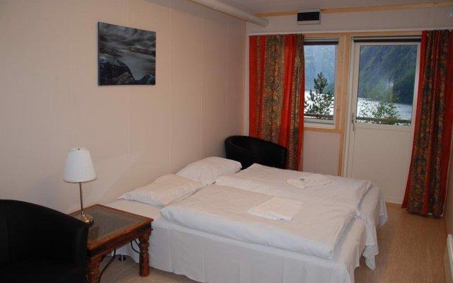 Отель Hellesylt Hostel and Motel Норвегия, Странда - отзывы, цены и фото номеров - забронировать отель Hellesylt Hostel and Motel онлайн комната для гостей