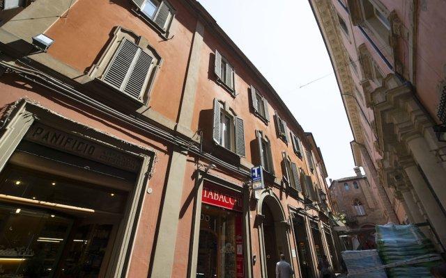 Отель Appartamento Le Due Torri Италия, Болонья - отзывы, цены и фото номеров - забронировать отель Appartamento Le Due Torri онлайн вид на фасад