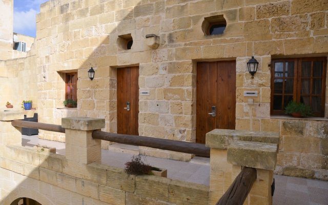 Отель Vittoria Suites вид на фасад