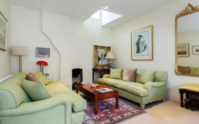 Отель Veeve Charming 1 Bed In Codrington Mews Notting Hill Великобритания, Лондон - отзывы, цены и фото номеров - забронировать отель Veeve Charming 1 Bed In Codrington Mews Notting Hill онлайн комната для гостей