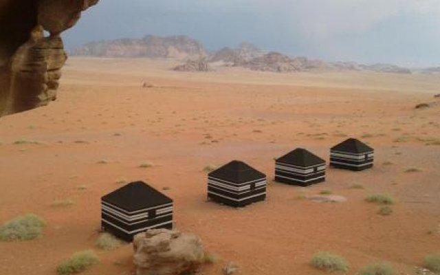 Sand Dunes Camp