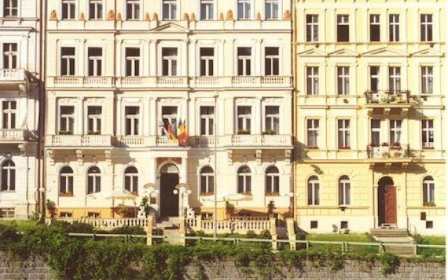 Отель Elwa Spa S.r.o. вид на фасад