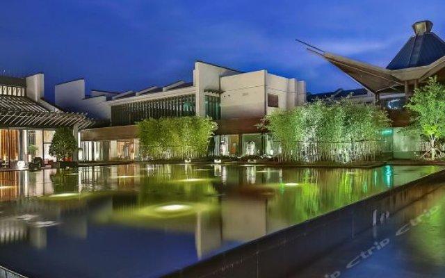 Отель Jinling Resort Tianquan Lake вид на фасад