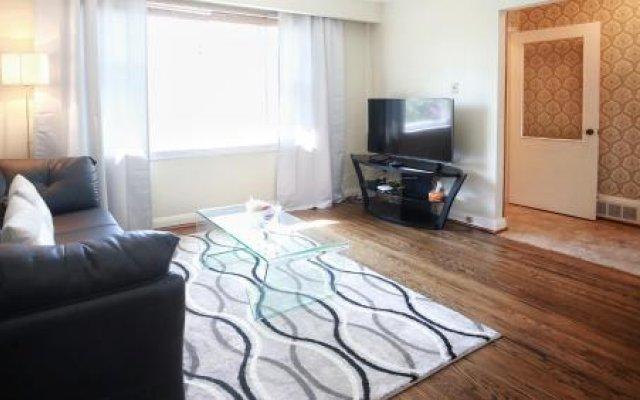 Comfort Yorkdale Residence
