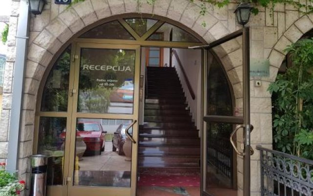 Отель Grbalj Будва вид на фасад