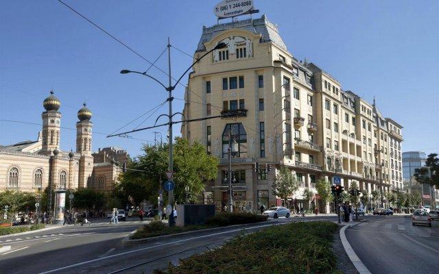 Отель Budapest City Central вид на фасад