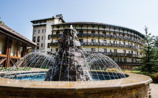 Гостиница Шале Грааль Апарт-Отель Украина, Трускавец - отзывы, цены и фото номеров - забронировать гостиницу Шале Грааль Апарт-Отель онлайн вид на фасад