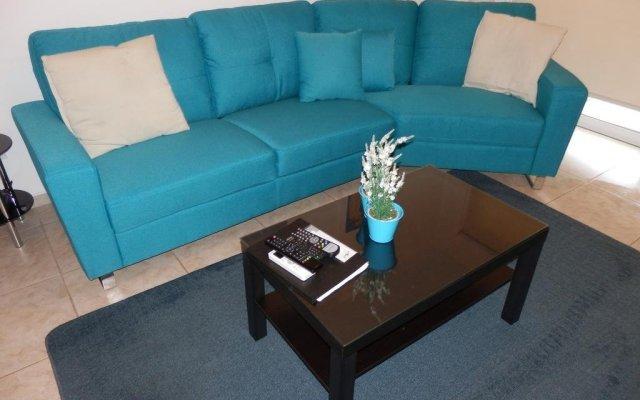 Отель Melania Gardens комната для гостей