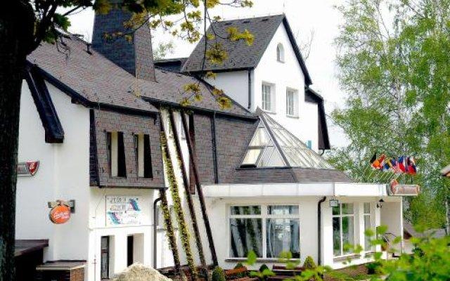 Отель Pyramida II Чехия, Франтишкови-Лазне - отзывы, цены и фото номеров - забронировать отель Pyramida II онлайн вид на фасад
