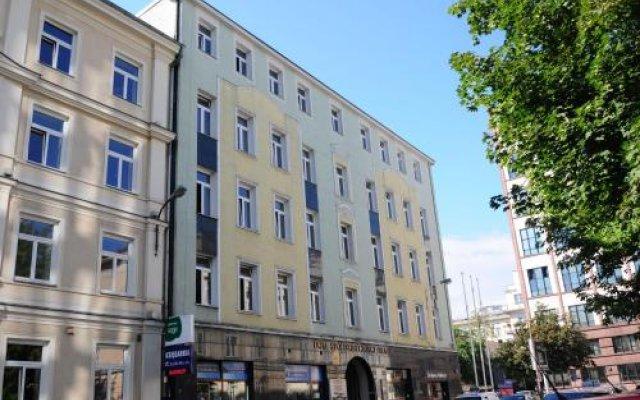 Отель SCSK Żurawia вид на фасад