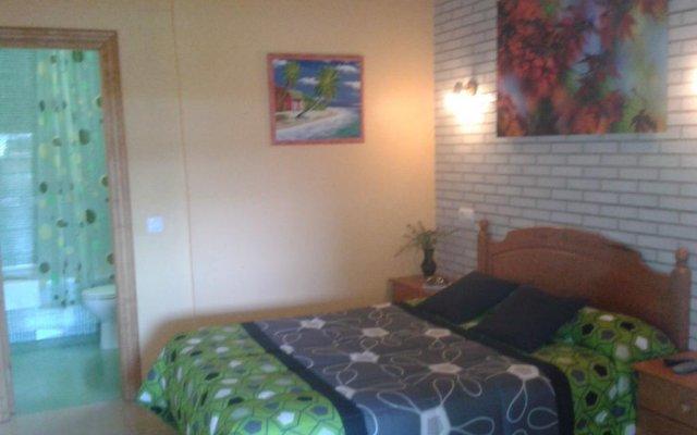 Отель Alojamiento Verdemar Испания, Арнуэро - отзывы, цены и фото номеров - забронировать отель Alojamiento Verdemar онлайн комната для гостей