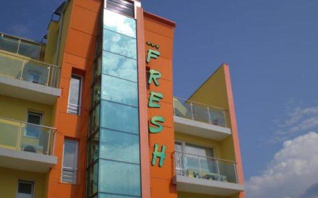 Отель Fresh Family Hotel Болгария, Равда - отзывы, цены и фото номеров - забронировать отель Fresh Family Hotel онлайн вид на фасад