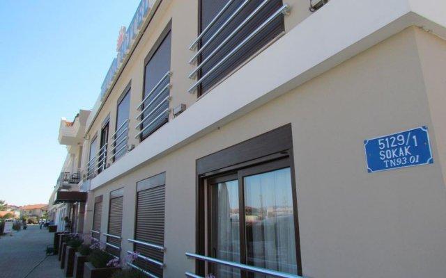 Eleven Hotel Чешме вид на фасад