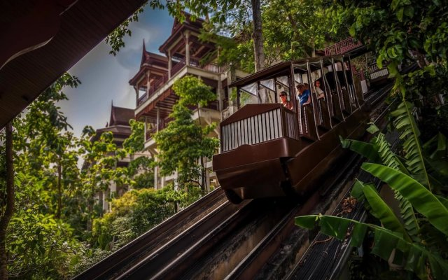 Отель Thavorn Beach Village Resort & Spa Phuket вид на фасад