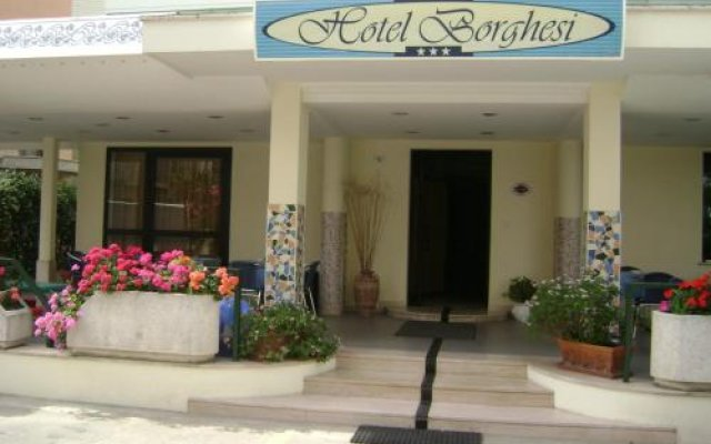 Hotel Borghesi вид на фасад