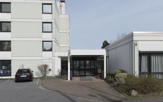 Mercure Hotel Dusseldorf Sud вид на фасад
