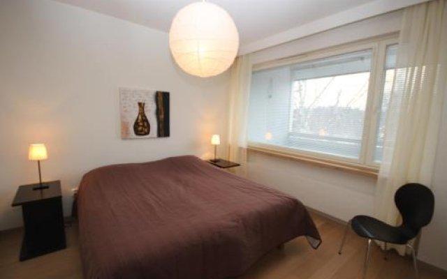 Апартаменты Gella Serviced Apartment Pitäjänmäki комната для гостей