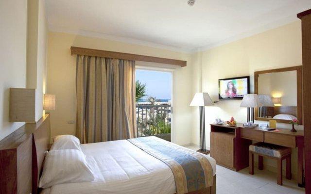 Отель Empire Beach Resort комната для гостей