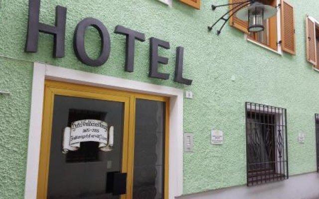 Hotel Goldenes Kreuz Випитено вид на фасад