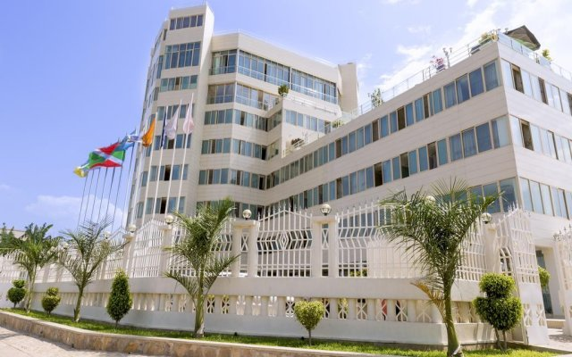 Le Panoramique Hotel by Celexon вид на фасад