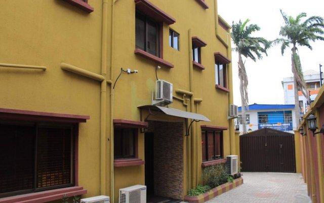 Отель Tyndale Residence Ltd вид на фасад