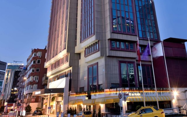 Отель Mercure Istanbul The Plaza Bosphorus вид на фасад