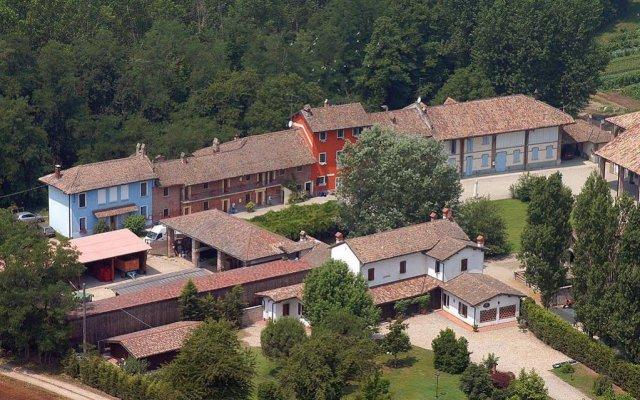 Отель Agriturismo Cascina Caremma Бесате вид на фасад