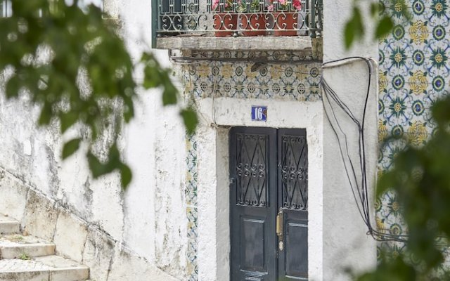 Отель Lisbon Holidays Alfama Португалия, Лиссабон - отзывы, цены и фото номеров - забронировать отель Lisbon Holidays Alfama онлайн вид на фасад
