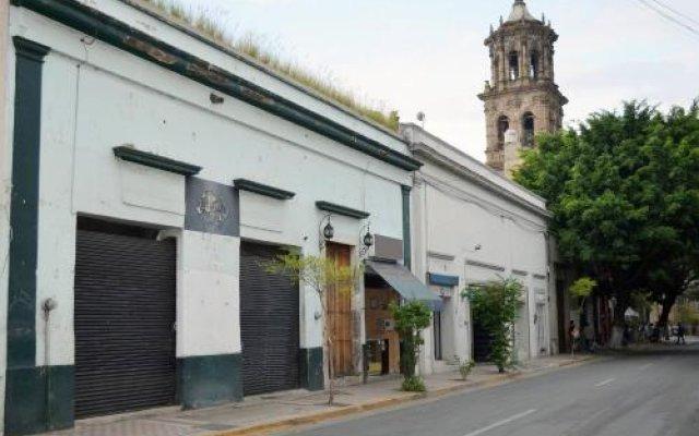 Отель Casa Guadalupe GDL вид на фасад